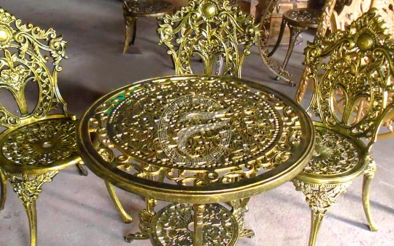 bàn ghế nhôm đúc